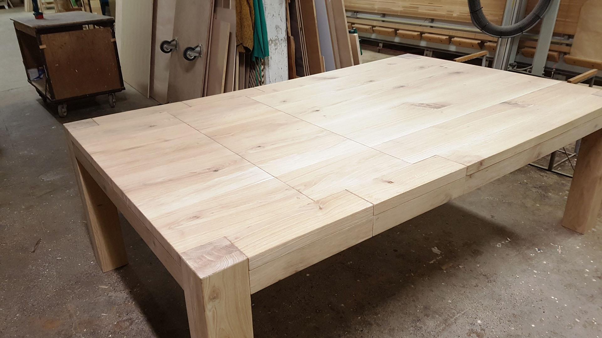 Tavolo in legno di rovere rustico - Falegnameria Adamoli